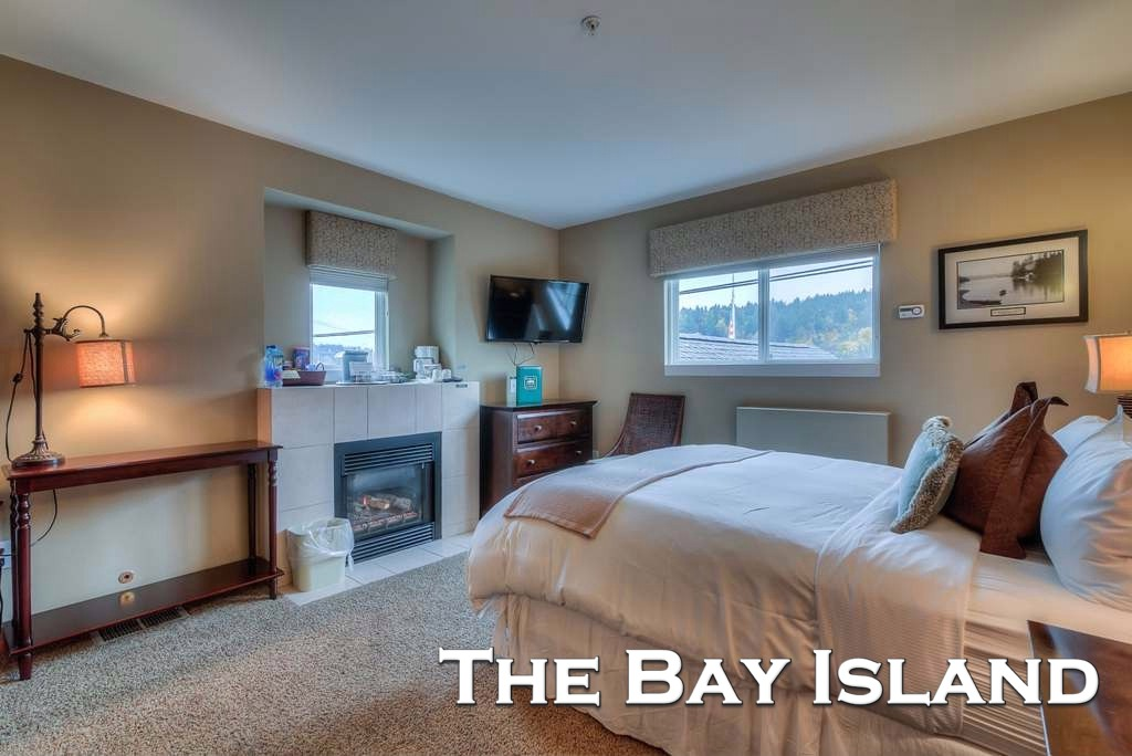 The Bay Island  Room (#6)